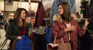 Linda Cardellini plays Sara and Alessandra Ambrosio plays Karen in Daddy's Home 2 from Paramount Pictures.